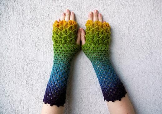 Mare shop: fingerless gloves for dragons and exotic birds costumes ··· | ···…