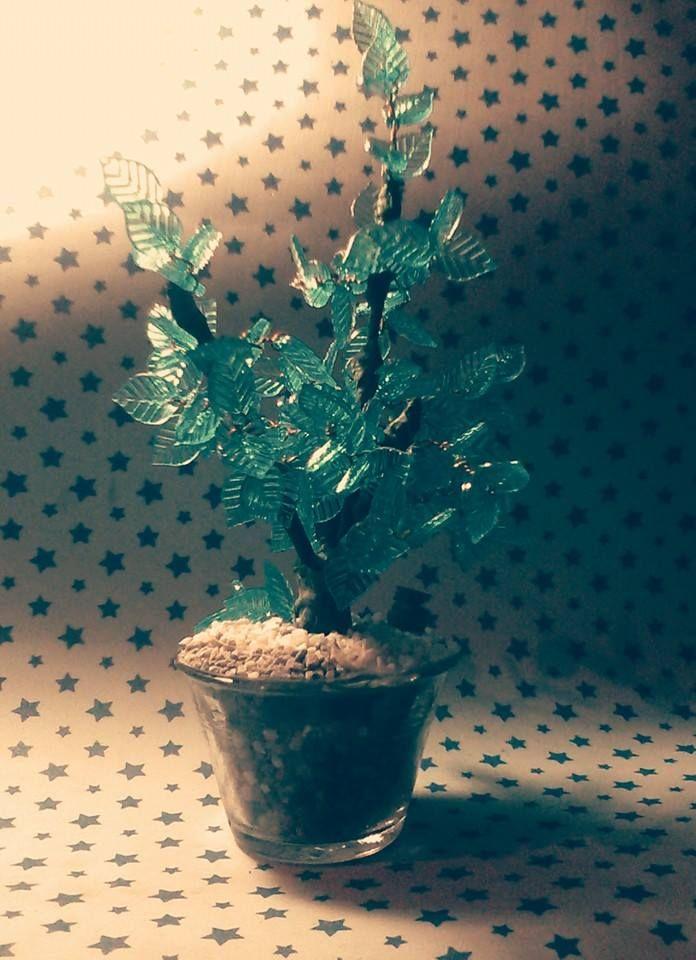 Arbol decorativo  en acrilico y pedreria