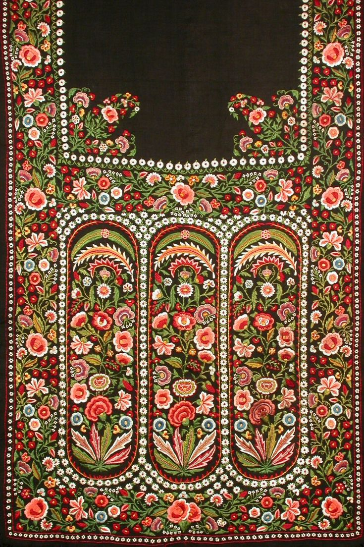 STOLE - 'Delhi-work' stole embroidered in silk on wool - North India c.1890