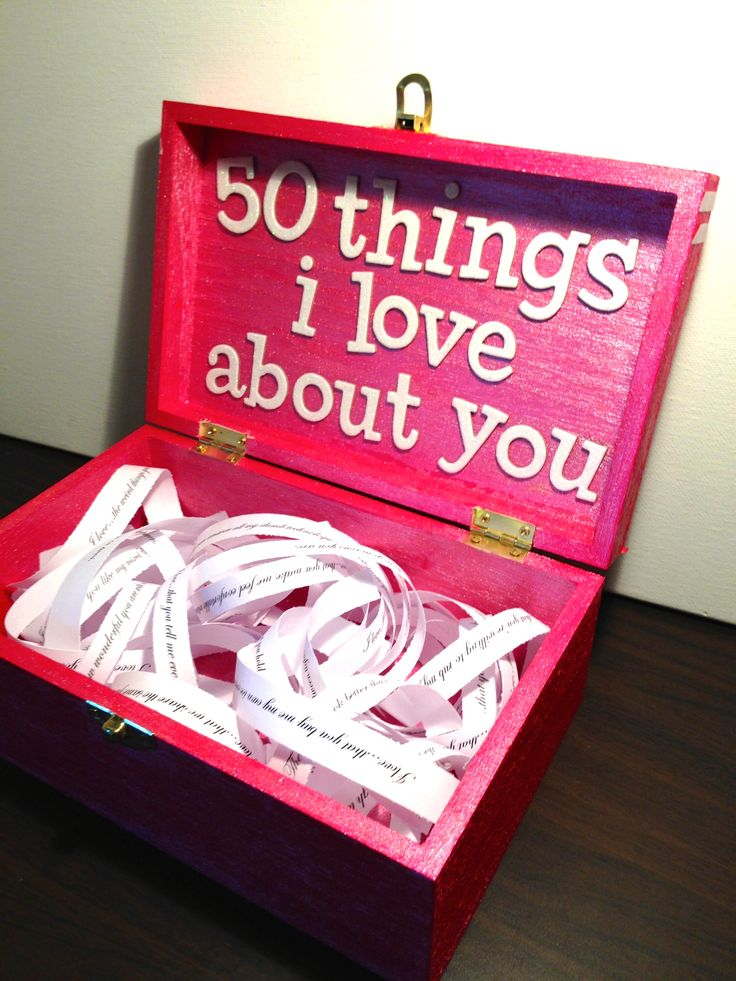 Boyfriend / Girlfriend gift ideas for birthday, valentine's or just a random gift.  A box with 50 things I love about you.