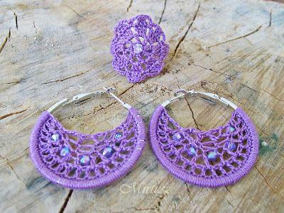 Mirtusz : Szerelemgyerekeim: A Mirtusz-gyűrűk  Lila színű horgolt karika fülbevaló és gyűrű, gyöngyökkel díszítve
