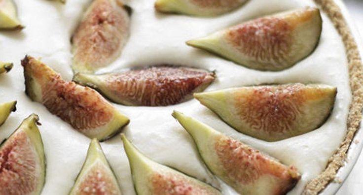 Tarte de Mascarpone e Figos Frescos - http://www.entretaxos.com/tarte-de-mascarpone-e-figos-frescos/