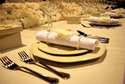 How to Set a Table With Napkins & Rings thumbnail: Rings Thumbnail, Posh Places, Centerpieces Places, Napkins Rings, Linens Napkins, Places Sets, Silver Rings, Bamboo Rings, Clothing Napkins