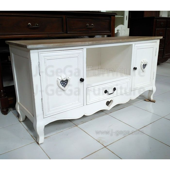 Rak TV Minimalis White Shabby Chic Pintu Love.  Jual Rak TV Minimalis White Shabby Chic Pintu Love untuk menghiasi rumah atu kamar sebagai tempat rak tv di ruang keluarga dan ruang kamar.  Sangat cocok untuk anda miliki sebagai tempat TV di dalam ruangan di rumah, villa, hotel dan apartment.  #raktvjepara #raktvminimalis #jualraktv #furnitureduco #furnitureminimalis