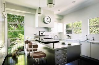 Modern Kitchen by Michael S. Smith Inc. in Los Angeles, California