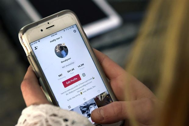Record Labels Demand More Money For Songs On Tiktok App The 3 Biggest Record Labels Are Worrying Extra Money For Son Online Bullying Video App Serious Problem
