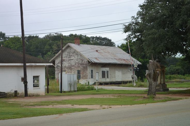 old train depot  in Leary  Ga: Bus Stations, Old Trains, Training Depot, Abandoned Training, Old Training, Leari Ga, Gas Stations, Georgia Things