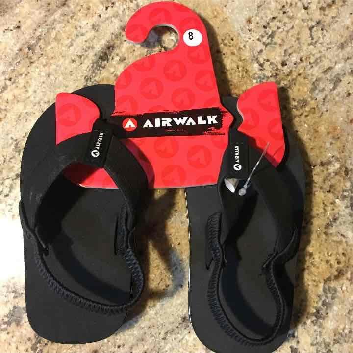 AIRWALK  Boy's Black Flip Flops Size: 8 - Mercari: Anyone can buy & sell
