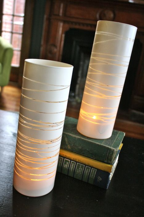 Paint a glass vase with rubber band pattern. Love it!: Centerpiece, Idea, Glasses Vase, Candles Holders, Rubber Bands, Teas Lights, Paintings Vase, Sprays Paintings, Old Vase