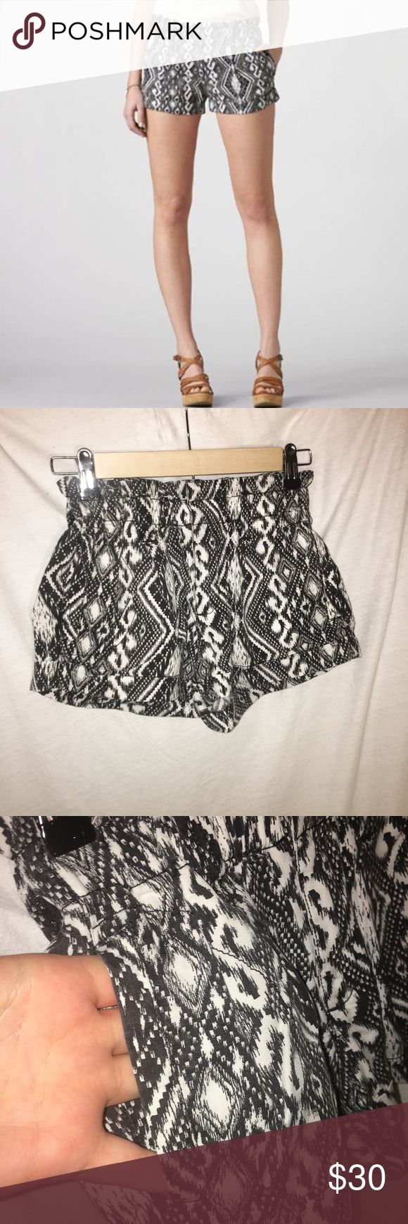 AEO | Aztec print shorts Don't like the price?  Make me an offer!  Always willing to offer discounts on bundles. American Eagle Outfitters Shorts