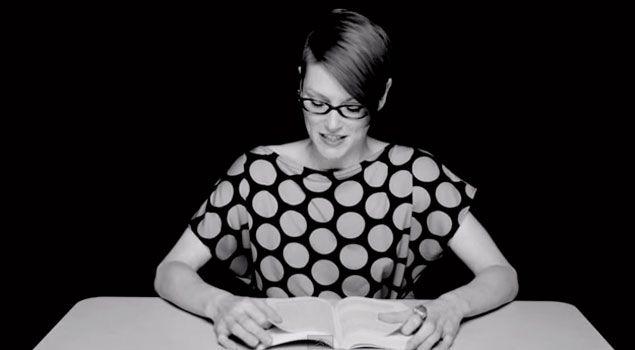 Artista grabó a varias mujeres leyendo mientras un vibrador las llevaba al orgasmo (+video)