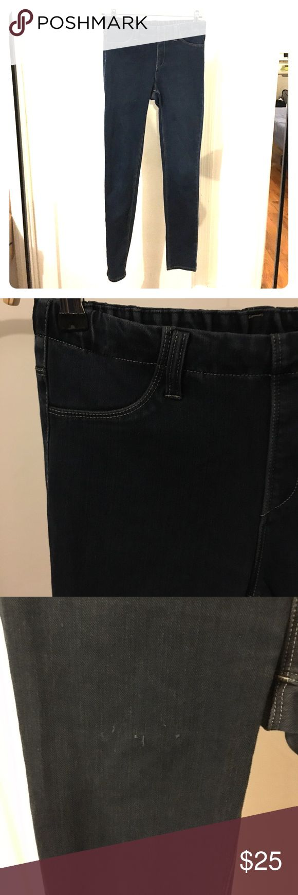Uniqlo Stretch Jeans Jeggings Leggings medium M Comfy Jean leggings. Size : medium. Some wear on leg (loose thread). Uniqlo Jeans Skinny