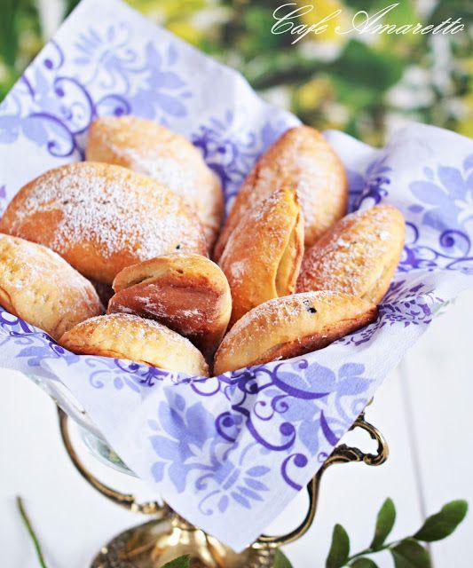 Cafe Amaretto - Pieczone pierożki z jagodami
