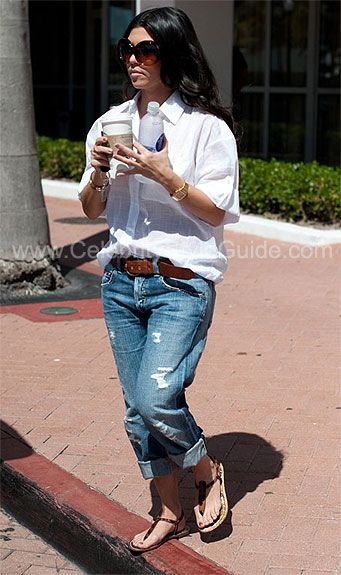 Seen on Celebrity Style Guide: Kourtney Kardashian spotted out for a stoll in Miami, FL on Monday March 8, 2010
