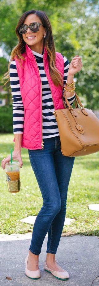 This vest and bag are so pretty! I love that the vest is a fun, statement color…