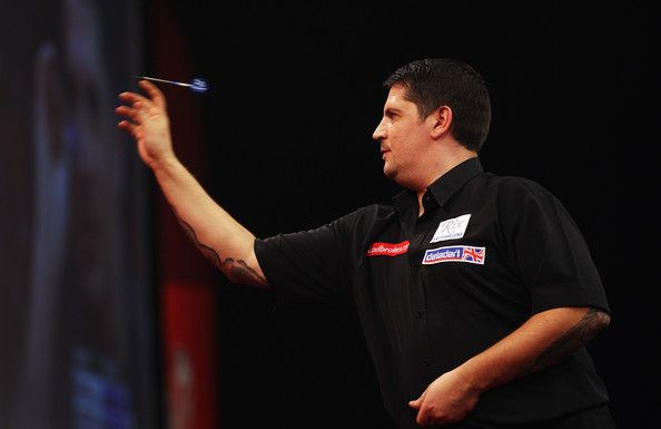 Gary Anderson Gary Anderson of England throws against Terry Jenkins of England during the semi finals of the 2011 Ladbrokes.com World Darts ...