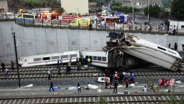 Incidente treno #Santiago di #Compostela, Galizia, #Spagna: foto, video, ultimi aggiornamenti