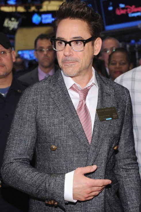 So many glasses. So many hot men. All yes. Buzzfeed proves glasses make men obscenely hot.