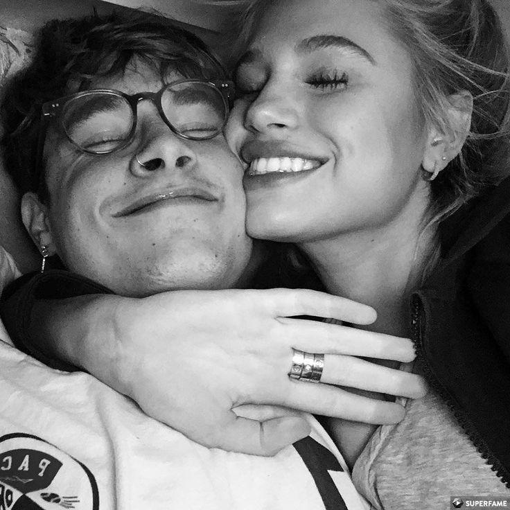 Couple --> Love Pinterest: @FlorrieMorrie00 Instagram: @flxxr_