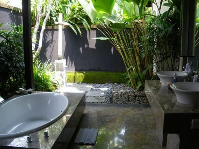 Unique Tropical Bathrooms Decorating Plans And Wall Decor : Terrific Unique Tropical Bathrooms Dec Outdoor Oval Built In The Floor Bathtub T...