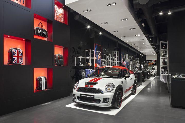 MINI pop up store by Studio 38, London store design: Studios 38, Minis Pop Up, Minis Popup, Stores Design, Popup Shops, Retail Design, Retail Pop Expo Display, Pop Up Stores, Popup Stores