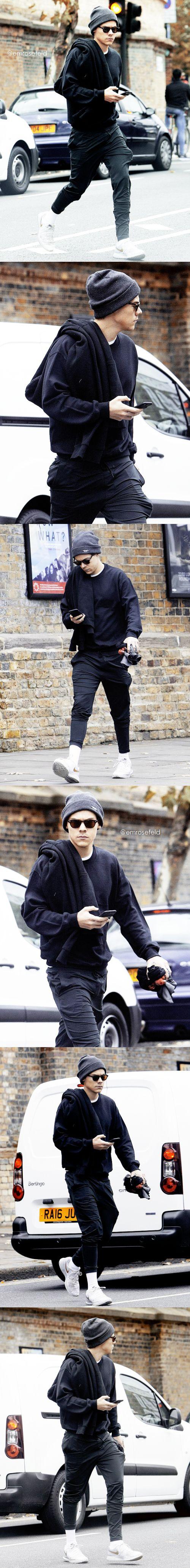 Harry Styles   in London 10.24.17   emrosefeld  