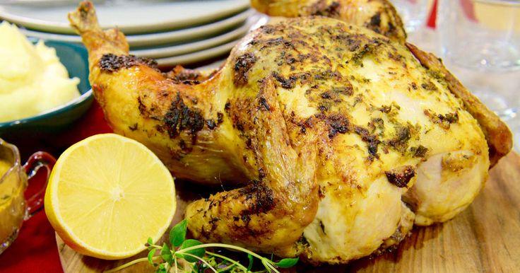 Helrostad citron-och timjankyckling samt potatismos smaksatt med honung och dijonsenap - en god och spännande variant på en vardaglig middag.