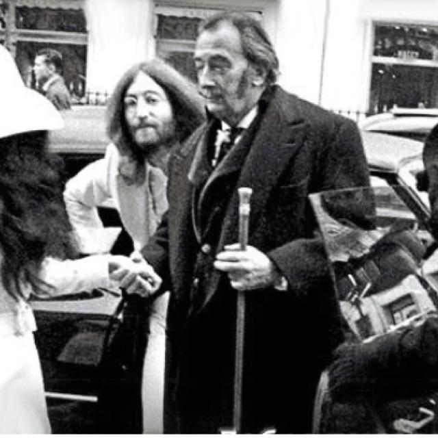 The Beatles Polska: Lennonowie spotykają się z Salvadorem Dali