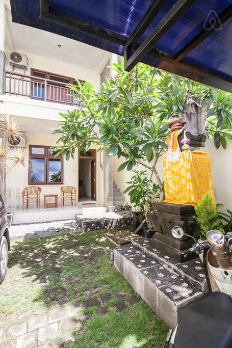 Bali Accomodation BALI : For Beach Lovers, Apartment 10 Min. From Balangan Beach Nightly: 285,000 Rp (23 USD) Monthly: 3,785,850 Rp (300 USD) 20 minutes drive from beautiful Dreamland beach, 20 minutes drive from the famous Padang Padang beach and also close to other gorgeous beaches in South Kuta.