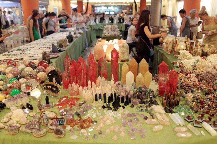 Spinelul rosu si onixul de Pakistan sunt vedete la Expo Mineralia Timisoara