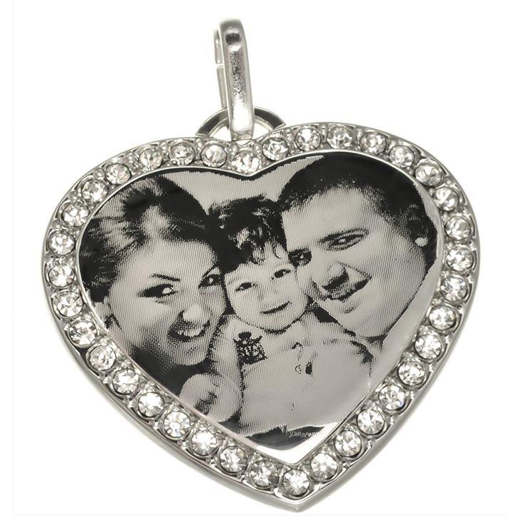 Inima cu pietre CZ personalizata prin #fotogravura http://www.cadouripersonale.ro/Inimioara-pentru-gravura-placata-cu-rhodium-CZ-p-16733-c-379-p.html