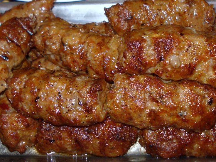 Reteta culinara Mititei de casa din categoria Mezel de casa. Cum sa faci Mititei de casa