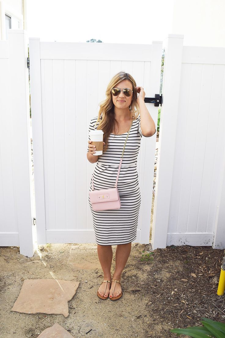 A Hint of Blush – Thoughts By Natalie in maternity dress / nursing dress Simone. Dress with double function for pregnancy and nursing. Classic boat stripe, round neck and short. Buy it here >> http://shop.boobdesign.com/en/product/652/gravidklanning-amningsklanning-simone