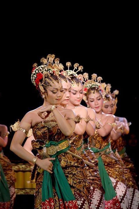 Dalam Tarian - Love Indonesia Fotografer: Resky Purnama Putra