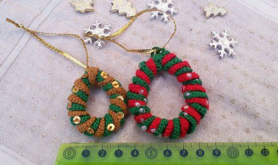 Christmas crochet wreaths crochet hanging by Rocreanique
