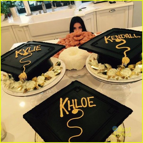 kendall kylie jenners graduation party 06