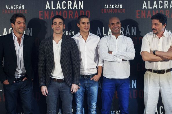 Alacrán Enamorado. Javier Bardem - Miguel Angel Silvestre - Alex Gonzalez- Santiago A. Annou - Carlos Bardem