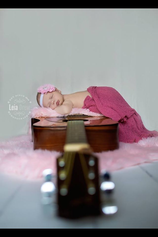 New born photography Leia drew photography Baby guitar photos Girls and guitars Country baby girl photo Family photography New Borns with guitar