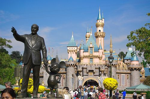 Disneyland!: Happiest Place, Spaces, Bucket List, Favorite Places, California, Travel, Disneyland Secrets, Ive
