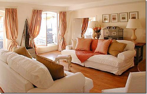 pretty warm orange peach living room #orange #living_room