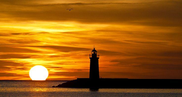 Participa hasta el 31 de agosto en el XI Concurso de Fotografía El Foton elfoton.com #elfoton15 #Paisaje Usuario: Cesc (España) - Puesta en el puerto - Tomada en Andratx el 15/02/2013 #photos #travel #viajes #igers #500px #Picoftheday #Fotos #mytravelgram #tourism #photooftheday #fotodeldia #instatravel #contest #concurso #instapic #instaphoto #España #Puestadesol #sunset #puerto #Andratx #Baleares #Spain #isla #mallorca #tramontana