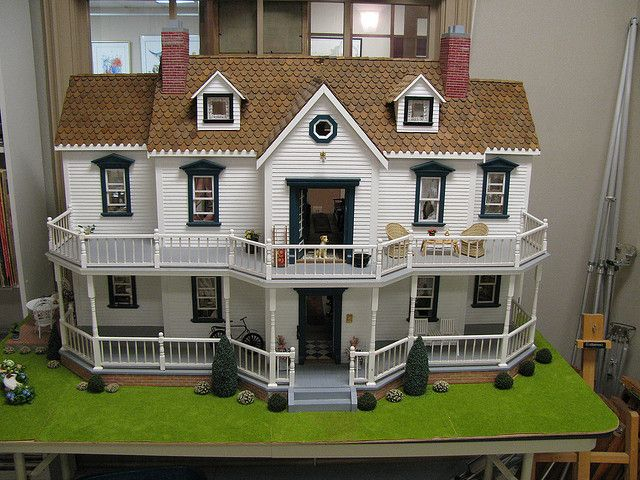 35 Best Images About Dollhouse Ideas On Pinterest Exterior Colors Robins And Beacon Hill