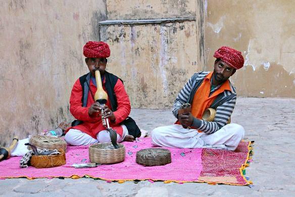Blogbeitrag: Alleine reisen als Frau - Indien mit Fahrer & Guide #indien #reise #reisen #reiseblog #reiseblogger