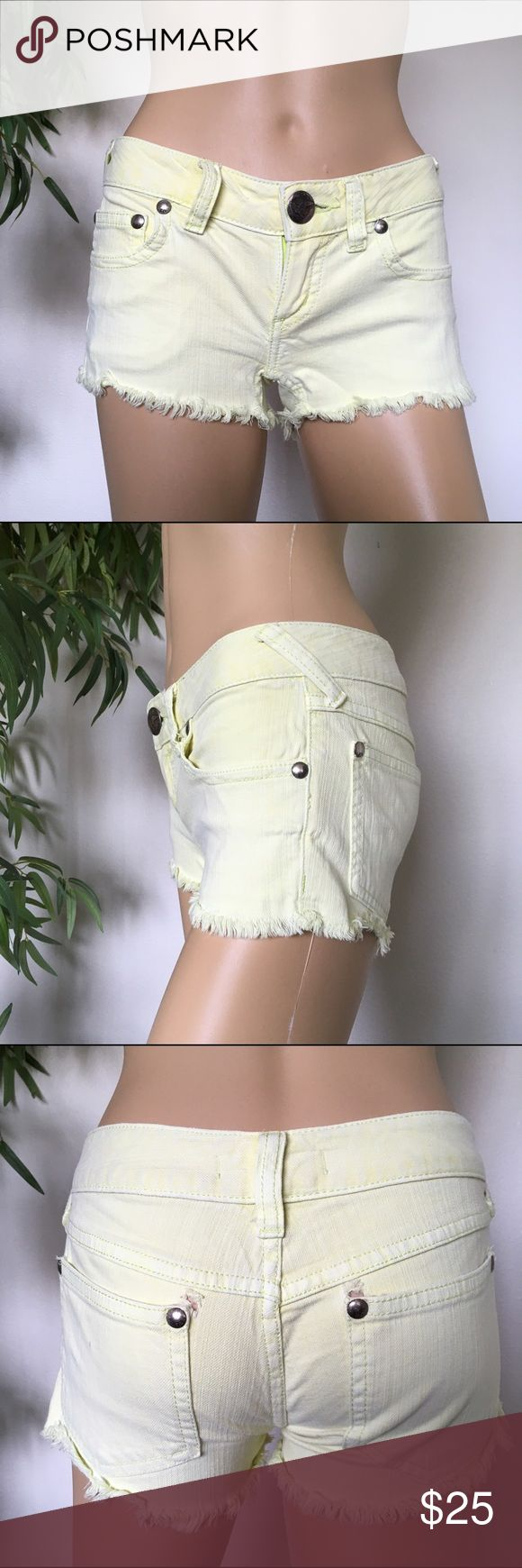 Free People Lime Green Mini Shorts size 24 Pre Loved super sexy mini lime green shorts has a tiny stain one the back pocket as seen on photo size W24 Free People Shorts Jean Shorts