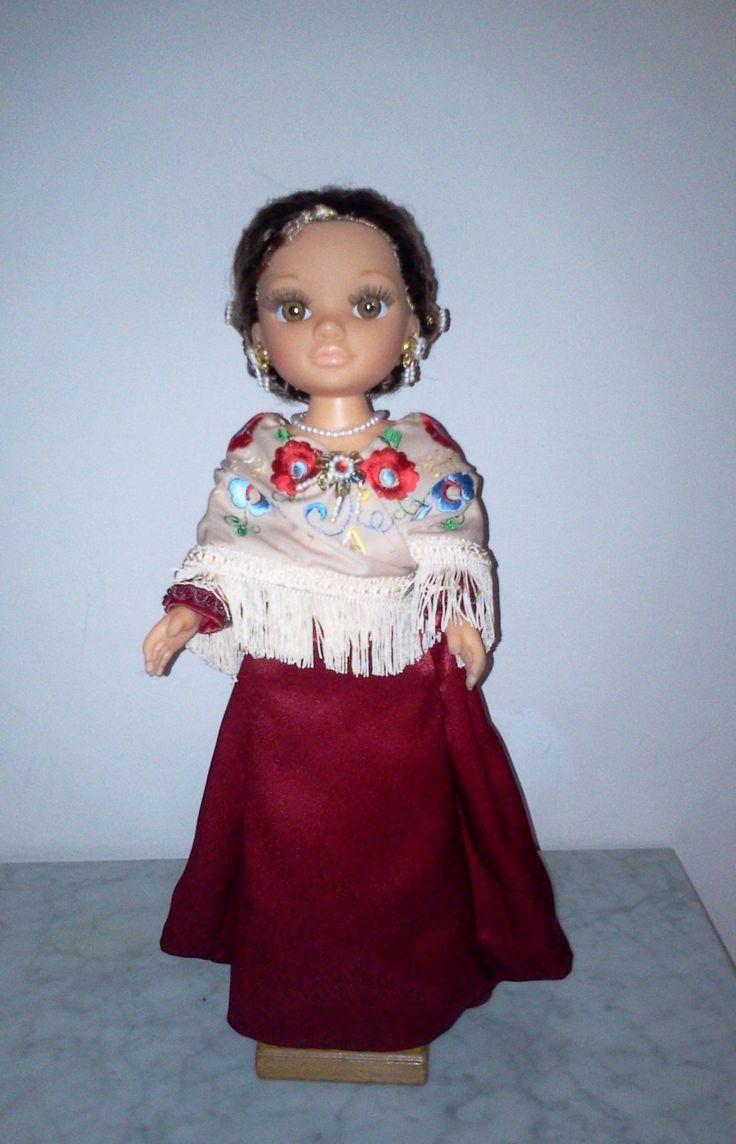 Nancy Buñolera con mantón