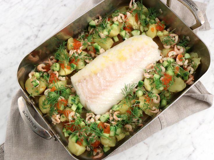 Hel torskrygg i ugn med räkor, gurka och dill i brynt smör   Recept från Köket.se