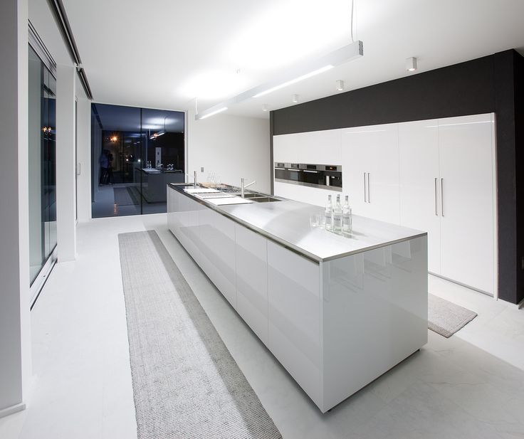 Luxury White Kitchens best 25+ modern white kitchens ideas only on pinterest | white