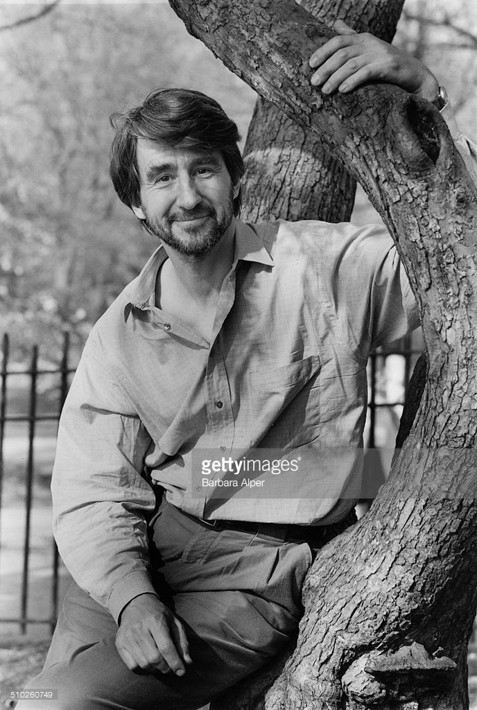 American actor <a gi-track='captionPersonalityLinkClicked' href=/galleries/search?phrase=Sam+Waterston&family=editorial&specificpeople=212718 ng-click='$event.stopPropagation()'>Sam Waterston</a> in Riverside Park, New York City, 26th April 1990.
