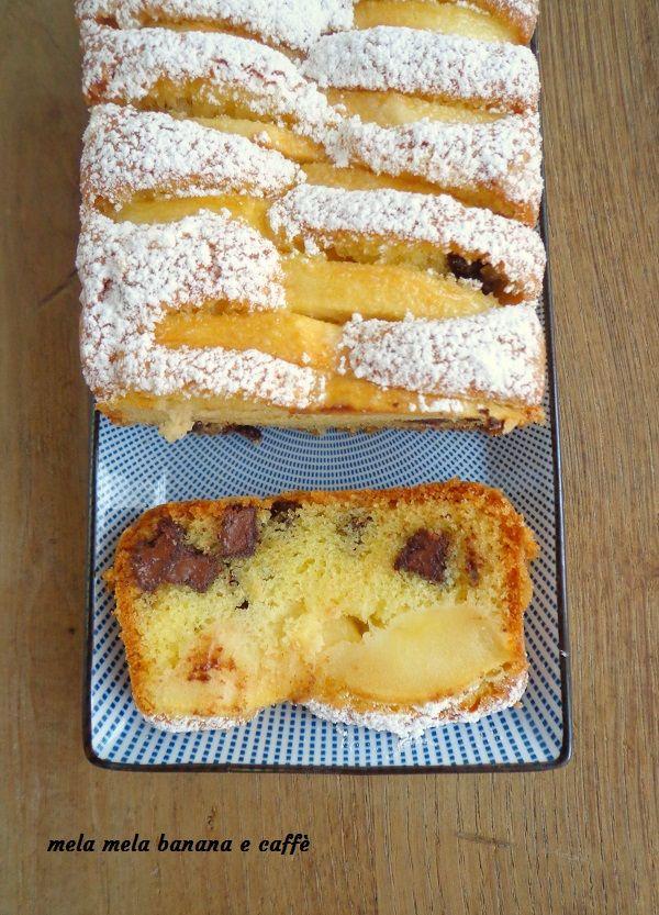 Volete una merenda sana e semplice da dare ai vostri bambini? Bè questo plumcake con mele e cioccolato fa proprio al caso vostro!