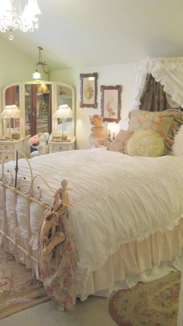 Shabby Chic. Bedroom